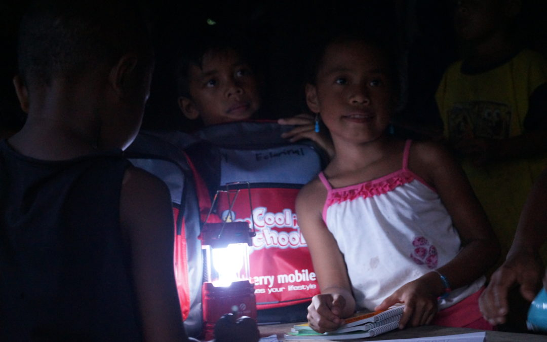 We give light to improve living conditions of families in need